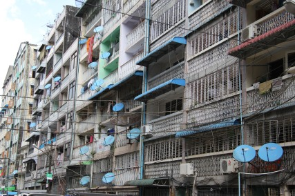 Les paraboles fleurissent sur les balcons ...