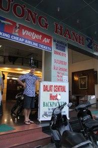 L Hotel au 2 noms, un pour les vietnamiens et un pour elles occidentaux