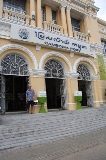 La poste à Phnom Penh